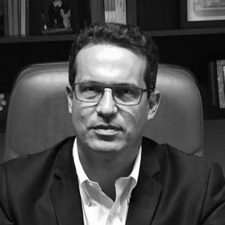 Antonio Carlos Tavares de Mello. Artigo