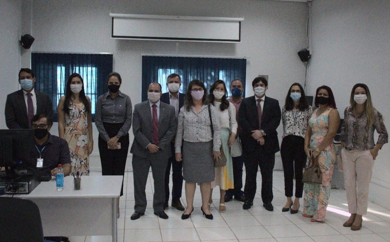 Diretoria da OAB-MT , equipe do INSS Cuiabá e representantes das Comissões de Direito Previdenciario e Direito do Idoso da OAB-MT
