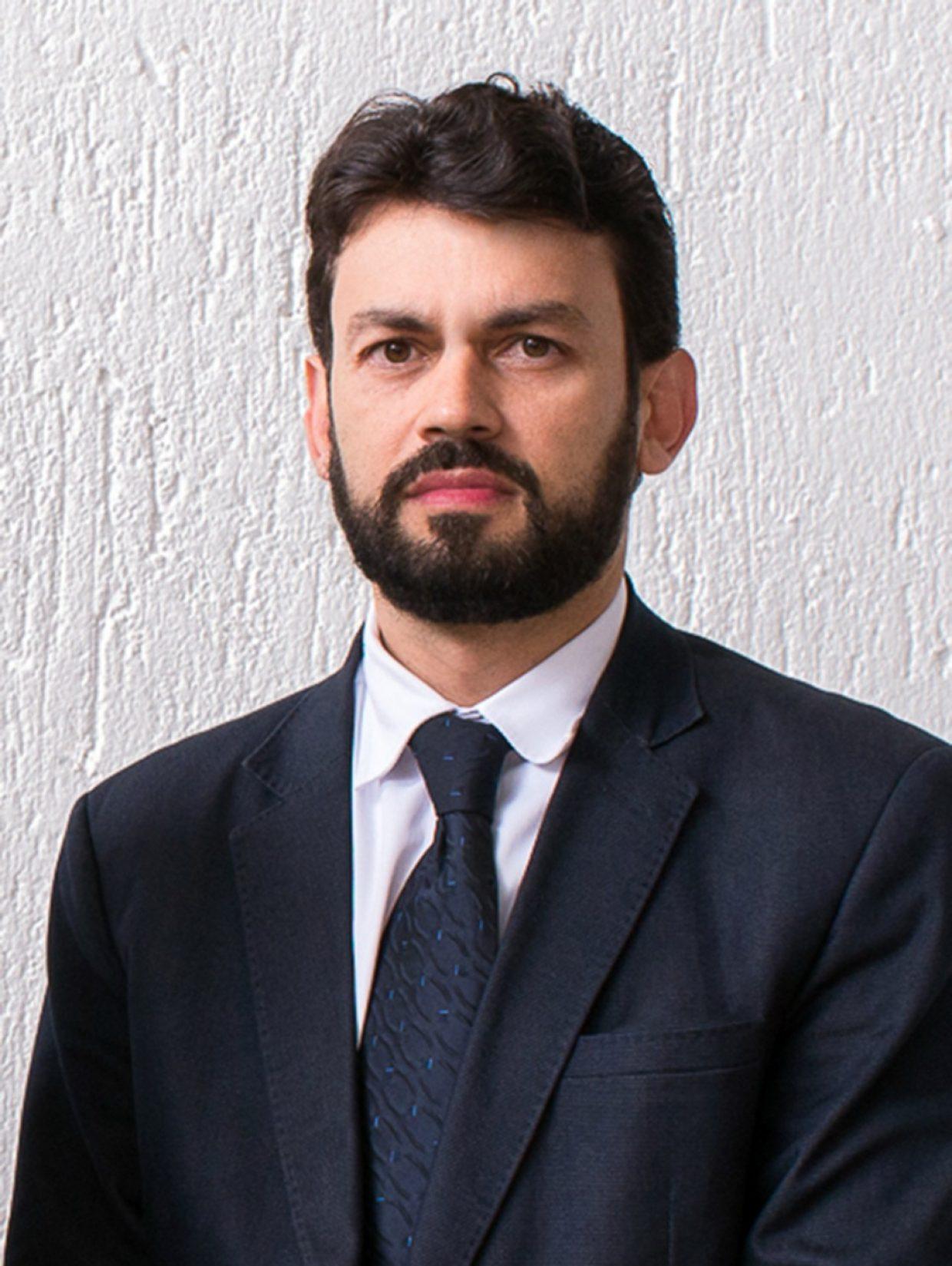 Dr. Tiago Abreu