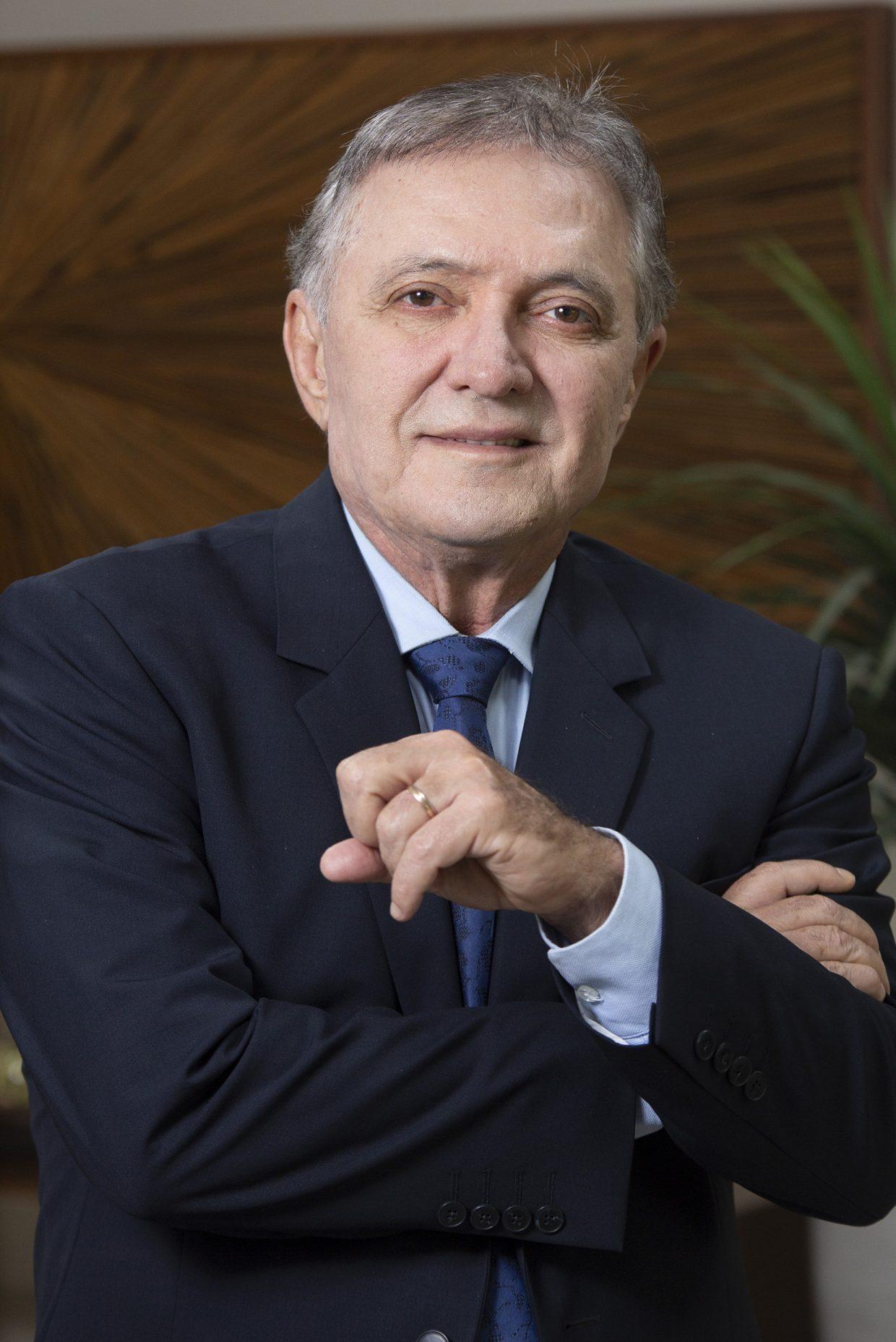 Foto conselheiro Antonio Joaquim - TCE-MT - 02