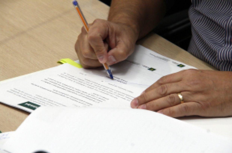 Prefeito assina decreto que estabelece datas comemorativas de 2021